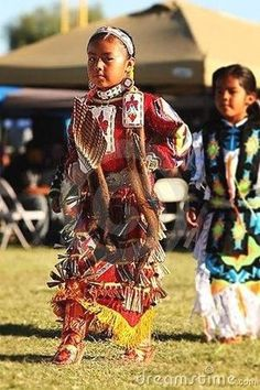 35 ways of native american medical cures that our forefathers used that are still useful today that can save many lifes and are more practical. Native Child, Native American Children, Native American Regalia, Native American Pictures, Native American Quotes, Native American Beauty, American Indian Art, Native American History, American Indians