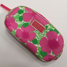"""Lilly Pulitzer great for bundling! This is a Lilly Pulitzer for Estée Lauder make-up bag. It has been used but is very clean, approximately 9"""" x 4.5"""" (measured using the gold trim). This would be excellent to bundle with another item! Lilly Pulitzer Bags Cosmetic Bags & Cases"""