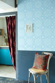 Pale Blue Piccadilly Wallpaper from Cole & Son - @Cole_And_Son