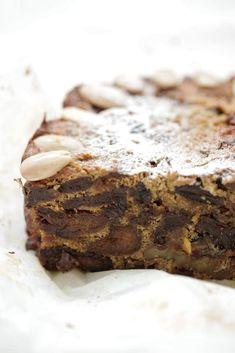Healthy Christmas Cake - The Healthy Chef - Teresa Cutter Xmas Food, Christmas Cooking, Christmas Recipes, Christmas Goodies, Christmas Treats, Christmas Kitchen, Healthy Cake, Healthy Sweets, Healthy Recipes