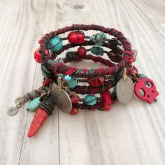 Ruta de la seda gitano brazalete pila - Frida - 5 pulseras tribales bohemias, seda envuelven y abalorios