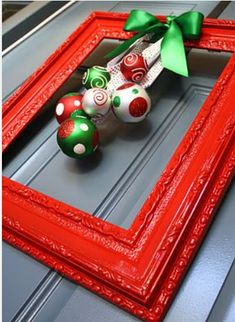 4 Inexpensive Christmas Decor Ideas - Picture Frame Wreath.