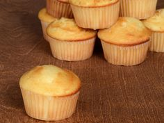 """GRUNDREZEPT- """"Fluffige Muffins"""" – Rezept The perfect BASIC RECIPE- """"Fluffy Muffins"""" recipe with simple step-by-step instructions: Beat sugar, vanilla sugar, salt and egg until frothy … Simple Muffin Recipe, Healthy Muffin Recipes, Healthy Muffins, Donut Recipes, Healthy Dessert Recipes, Healthy Snacks, Smoothie Recipes, Desserts, Basic Recipe"""