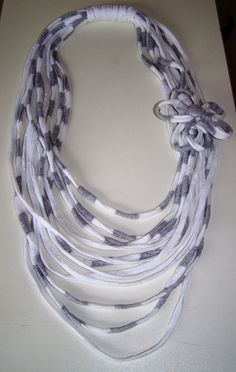 Yarn Necklace, Fabric Necklace, Scarf Jewelry, Textile Jewelry, Fabric Jewelry, Jewellery, Diy Scarf, Scarf Shirt, T Shirt Yarn