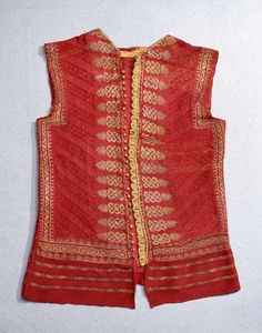 Knitted camiciuola from mid 16th century at  Museo Stibbert in Florence