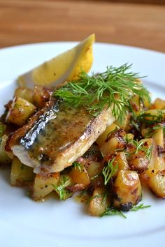 """Butterfried mackerel potatoe and apple""""pytt"""" and sweet mustad sauce"""