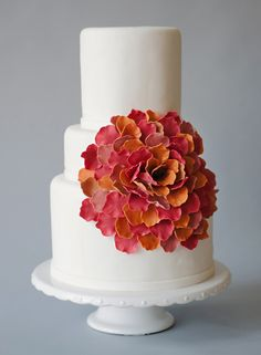 Love the petals of this oversized bloom -- perfect shades for a fall wedding