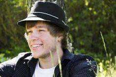 Lukáš Berka Perfect World, Riding Helmets, Baseball Hats, Baseball Caps, Caps Hats, Baseball Cap, Snapback Hats