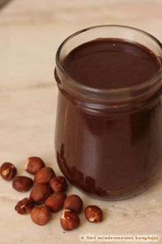 Homemade vegan hazelnut spread (nutella) without sugar, dairy and all those bad fats
