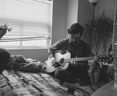 a very chilly day in @derekbrightest's living room with @feurd // thankful for @feurd @derekbrightest and very chilly days.   #theelwins #morninglikethese #runningthroughthesix