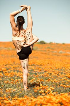 Yoga in Poppy Fields :: Fitness