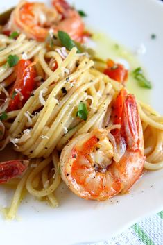 spaghettoni-shrimp-peppers