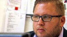 Der SPD-Chef in Bocholt, Thomas Purwin, zieht sich aus der Politik zurück. Der Grund sind neue Hass-Mails; diese richten sich nun auch gegen seine Lebensgefährtin und seine Tochter.