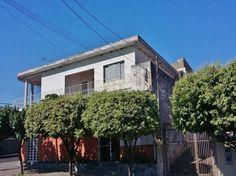 Casa tipo sobrado 4 dormitórios, 2 ediculas 2 4 lojas, ótimo ponto comercial no centro de Matão.