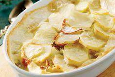 Πατατόπιτα µε πράσο   Συνταγή   Argiro.gr - Argiro Barbarigou Apple Pie, Camembert Cheese, Mashed Potatoes, Snack Recipes, Chips, Veggies, Cooking, Ethnic Recipes, Desserts