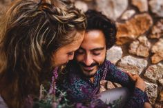 Wir haben die beiden auf Mallorca fotografiert und genau an dem Nachmittag des Shootings hat es geschüttet wie aus Kübeln.... ;-) Macht nichts, haben wir uns gedacht und ein Plätzchen zum Unterstellen gesucht.⠀⠀⠀⠀⠀⠀⠀⠀⠀ @canbaranayguler @j_pow_l⠀⠀⠀⠀⠀⠀⠀⠀⠀ .⠀⠀⠀⠀⠀⠀⠀⠀⠀ .⠀⠀⠀⠀⠀⠀⠀⠀⠀ . ⠀⠀⠀⠀⠀⠀⠀⠀⠀ #hochzeitsfotografmallorca #heiratenaufmallorca #heiratenaufmallorca2021 #braut2021 #bride2021 #weddinginmallorca #mallorcawedding #mallorcaweddingsphotographer #bridetobe #novias2021 #bodas… Dreadlocks, Couple Photos, Couples, Hair Styles, Wedding, Inspiration, Beauty, Majorca, Couple Shots