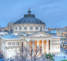Ateneul Român, Bucureşti, România - Romanian Athenaeum in Bucharest Romania Facts, Wonderful Places, Beautiful Places, Neoclassical Architecture, Little Paris, Bucharest Romania, Commercial Architecture, Modern Buildings, Best Cities