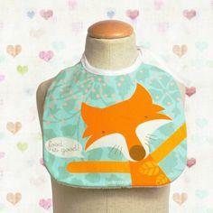 Baby bib Maria the fox  (by PinkNounou) at http://www.laranjalimao.com/
