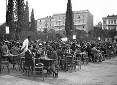 Greeks having a coffee at Syntagma Sq. in Athens in Greece Pictures, Old Pictures, Old Photos, Vintage Pictures, Cyprus Greece, Athens Greece, Santorini, Greece History, Old Greek