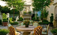"""Képtalálat a következőre: """"french garden"""" Outdoor Seating Areas, Outdoor Rooms, Outdoor Dining, Outdoor Decor, Porches, French Courtyard, Backyard Patio, Gravel Patio, Pea Gravel"""
