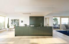 Claesson Koivisto Rune Revitalizes a Stockholm Apartment Building Trendy Furniture, Sofa Furniture, Kitchen Furniture, Kitchen Interior, Kitchen Design, Furniture Design, Stockholm Apartment, Apartment Complexes, Nordic Home