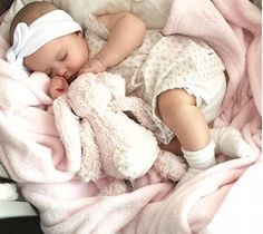 💕🌛Sweet dreams baby 🌃🌠 babie world baby sweet dreams babyshower girl biggbossarmy babysaatvik cutesaatvik bigil diwali tamilmemes moon masstamilan rockers actress actor photography daddy_kedi Sleeping couplegoals babygoals goodnight Baby Kind, Cute Baby Girl, Cute Babies, Outfits Niños, Cute Baby Pictures, Dream Baby, Everything Baby, Baby Family, Baby Girl Fashion