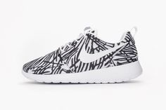 A Jagged Print Covers This New Womens Nike Roshe One