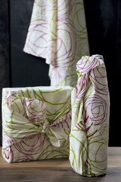 Give Love Roses Wrap - Fuchsia on @BRIKA