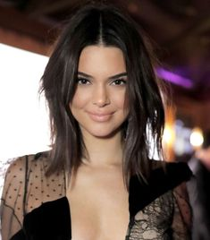 These Are Without a Doubt Kendall Jenner's Best Hair Looks The Best Kendall Jenner Hairstyles Short Dark Hair, Short Hair Cuts, Short Hair Styles, Wavy Bob Hairstyles, Short Pixie Haircuts, Kendall Jenner Short Hair, Kendall Jenner Hairstyles, Kendall Jenner Without Makeup, Kendal Jenner Hair