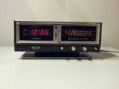 RETRO COOL Vintage Zenith Alarm Clock Radio Circle of Sound Model