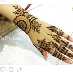 Arabic Henna Designs, Modern Mehndi Designs, Mehndi Designs For Fingers, Beautiful Mehndi Design, Latest Mehndi Designs, Mehandi Henna, Mehendi, Henna Art, Tribal Henna