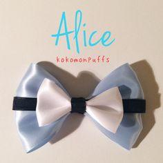 Alice in Wonderland: Disney Inspired Hair Bow