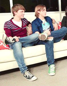 HAA! Ratliff copying Rocky at Clevver TV. They literally mirrored each other for a good couple minutes without even realizing it. Lol