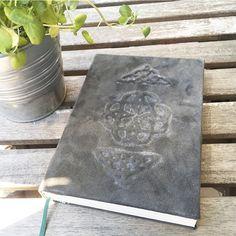 DIN A5 - Notizbuch  A5 Ledercover geprägt handgebunden  - ein Designerstück von UniCatGrafik bei DaWanda