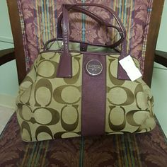 Authentic Coach signature handbag No.E1093 F13533 Authentic Coach satchel handbag, tan, brown and plum.inEUC..there is very little tear on the front corners but hardley noticable..very roomy and clean on inside..16tall,6.5deep, and 14w. Coach Bags Satchels