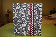 create a removable binder cover with fabric (from The Project Girl)