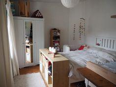 Wg zimmer einrichten  Superschöne WG-Zimmer-Einrichtung mit gepflegten Holzdielen ...
