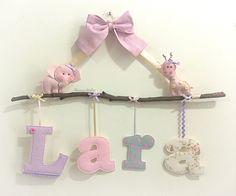 Enfeite letras, feitas em tecido aplicadas no galho!    * Valor referente ao nome Simples.