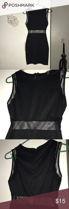 Black Mini Dress💕 Mesh Middle Doesn't Show Too Much It's Very Chic & Sexy At The Same Time ! Size Medium But I'm A Small Just Wanted A Looser For 💖 Forever 21 Dresses Mini
