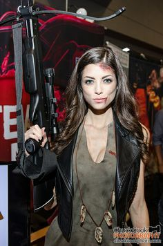LeeAnna Vamp as Daryl from Walking Dead | NYCC 2013
