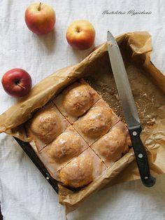 Nastoletnie Wypiekanie: Szarlotka z połówkami jabłek