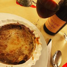 On a cold January night there is nothing like a steaming bowl of French onion soup (oh and a beautiful glass of Pinot Noir) #frenchonionsoup #oregonpinotnoir #winterdinner #pinotnoir #loveoregon #loveoregonwine