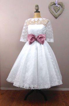 The Kelly tea length wedding dress by RyleyandFlynnVintage on Etsy, £450.00
