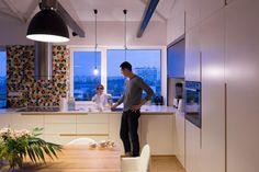 Cílem přestavby bylo vytvořit neutrální jednoduchý prostor, který na sebe nebude…