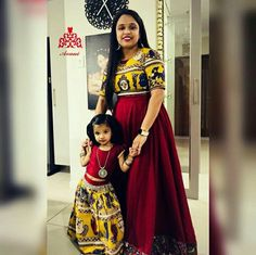 Baby twins fashion daughters 18 ideas Source by Blouses Mom Daughter Matching Dresses, Mom And Baby Dresses, Mommy And Me Outfits, Dresses Kids Girl, Girl Outfits, Mother Daughter Fashion, Mother Daughters, Kids Lehenga, Lehenga Choli