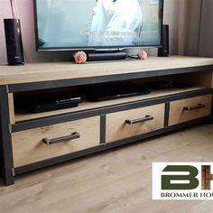 Brommer hout- & staalbouw webshop - www.brommerhoutenstaal.nl Tv Cabinet Design, Tv Stand Cabinet, Study Table Designs, Living Room Tv Unit Designs, Wood Slat Ceiling, Wood Slats, Diy Outdoor Furniture, Diy Furniture, Furniture Design