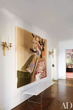 A painting by Sophie von Hellermann is displayed above a Harry Bertoia bench in the entrance hall of perfumer Frédéric Malle's New York apartment. Architectural Digest, Manhattan Apartment, New York City Apartment, Planchers En Chevrons, Design Entrée, Floor Patterns, Hallway Decorating, Interiores Design, Decoration