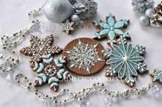 Let It Snow! Sparkling snowflake cookies by Cadillac Cookies, posted on Cookie Connection