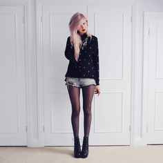 Black tights, denim shorts and black shirt with. Indie Hipster Fashion, Hipster Girls, Uk Fashion, Urban Fashion, Modern Fashion, Black Tights, Alternative Fashion, Passion For Fashion, Dress To Impress