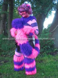 Coolest Cheshire Cat Costume: I made a Cheshire Cat costume for the event we have once a year here in Germany. It is called AnimagiC. It is a cosplay festival. My friends and I wanted Cat Costumes, Halloween Costumes, Costume Ideas, Cheshire Cat Costume, Alice In Wonderland Costume, Running Costumes, Homemade Costumes, Fantasy, Fancy Dress